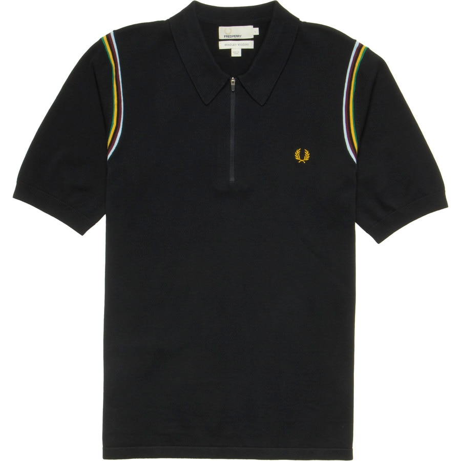 FRED PERRY CLOTHING. Walk to the beat of your own casual-style drummer with Fred Perry USA clothing and accessories. When you want to look fresh for a game of golf or switch up your daywear wardrobe, choose tops, bottoms and shoes that help you easily coordinate your sportswear separates.