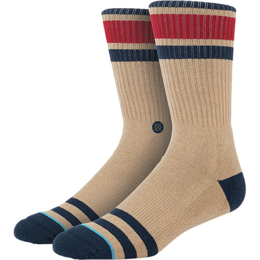 Browse a wide selection of men's athletic socks for working out and outdoor activities. Step onto the court, pitch, track or field with quality men's socks from DICK'S Sporting Goods. Browse premium socks for men designed for maximum performance.
