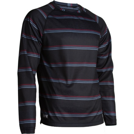 photo: DaKine Trigger Crew base layer top