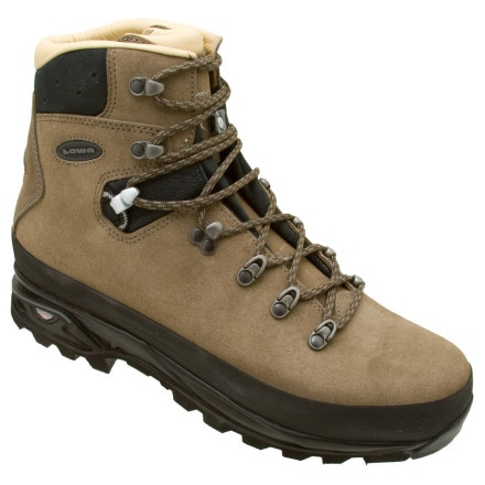 photo: Lowa Banff Pro backpacking boot