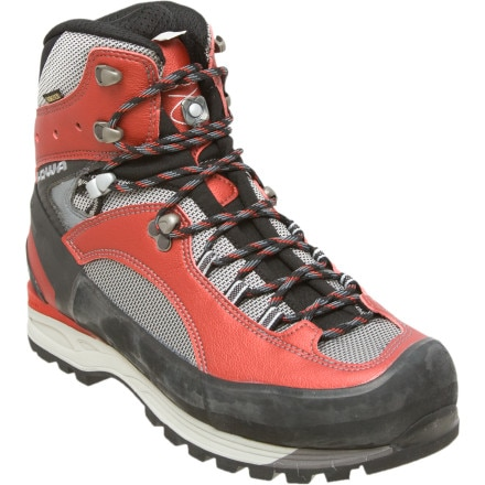 photo: Lowa Vajolet GTX