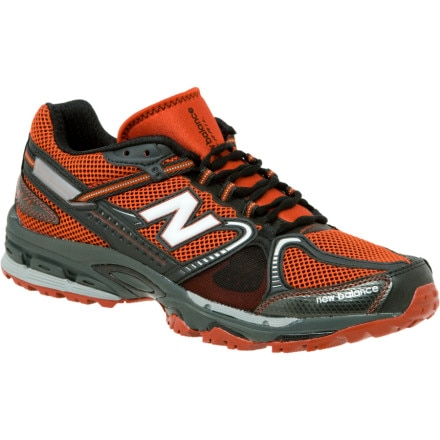 photo: New Balance Men's 876 trail running shoe