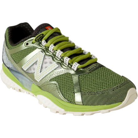 photo: New Balance Men's 915 trail running shoe