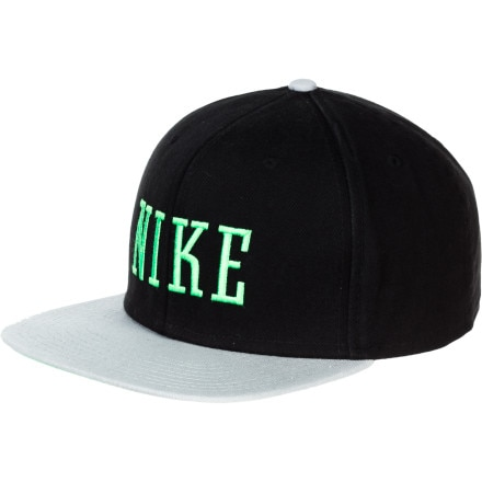 Nike Graphic Snapback Hat