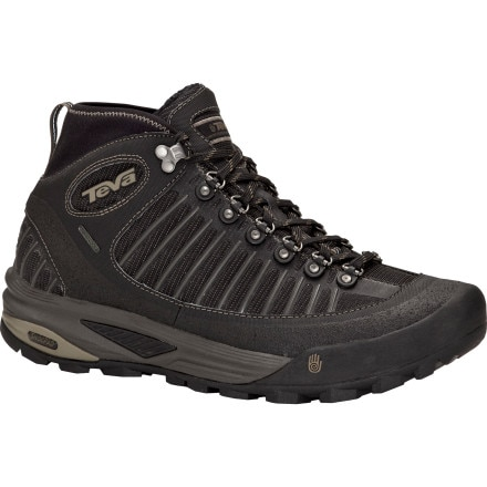 photo: Teva Forge Pro Winter Mid WP hiking boot