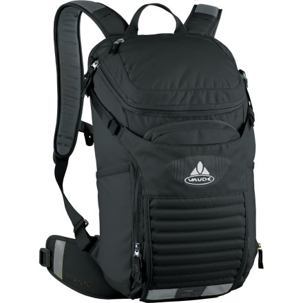 photo: VauDe Tracer 12 Backpack hydration pack