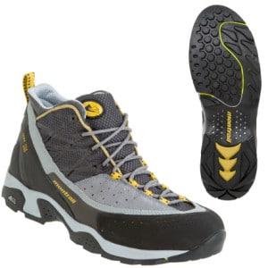 photo: Montrail Men's CTC Mid XCR approach shoe