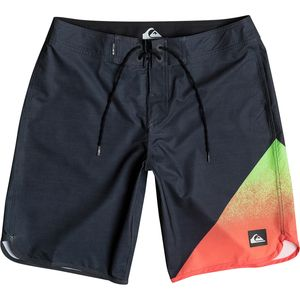 Quiksilver AG47 New Wave 20in Board Short - Men's