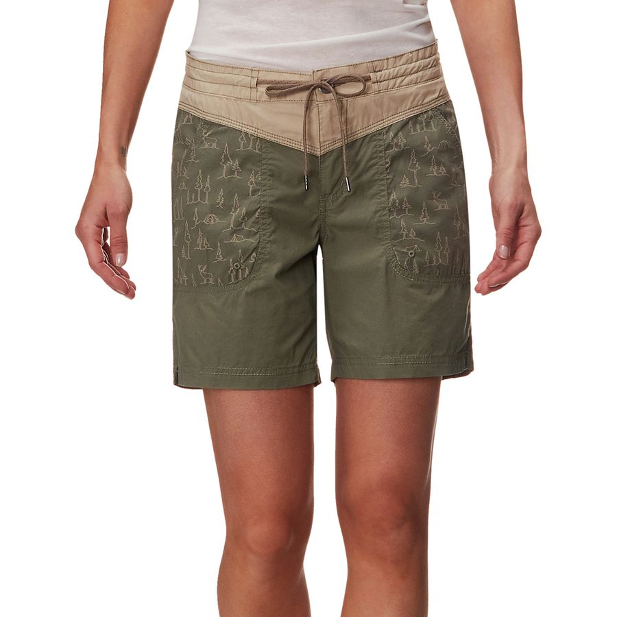Columbia - Down The Path Short - Women s - Cypress Print 418e9ff81