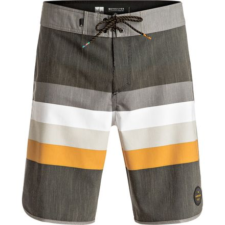 Quiksilver Seasons Scallop 20 Board Short - Men's