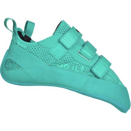 7749c1d0e122 So Ill Holds Runner Climbing Shoe