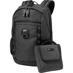 Oakley Voyage 22L Backpack - 1343 cu in